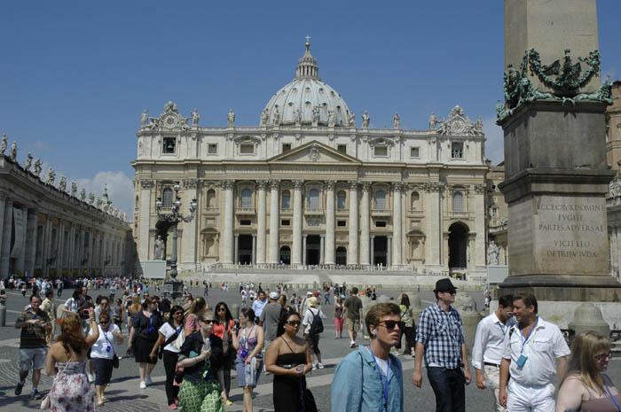 Vatican hors fronti res for Exterieur chapelle sixtine