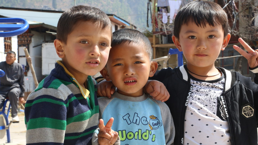 Bhoutan Enfants