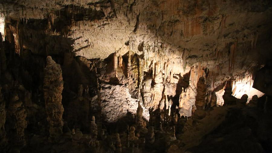 Slovenie Predjama Grotte