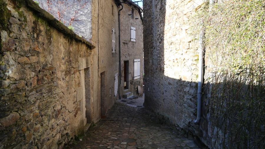 1063 France Cantal