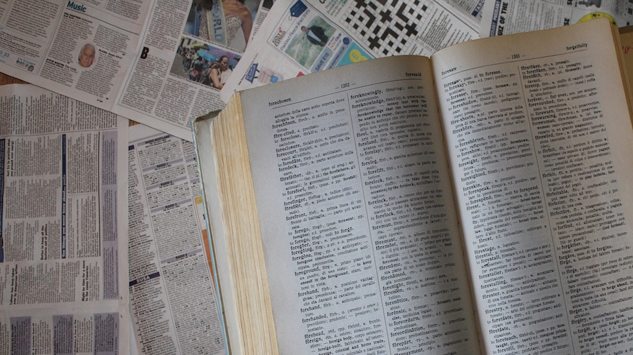 dictionary-2875159_1920
